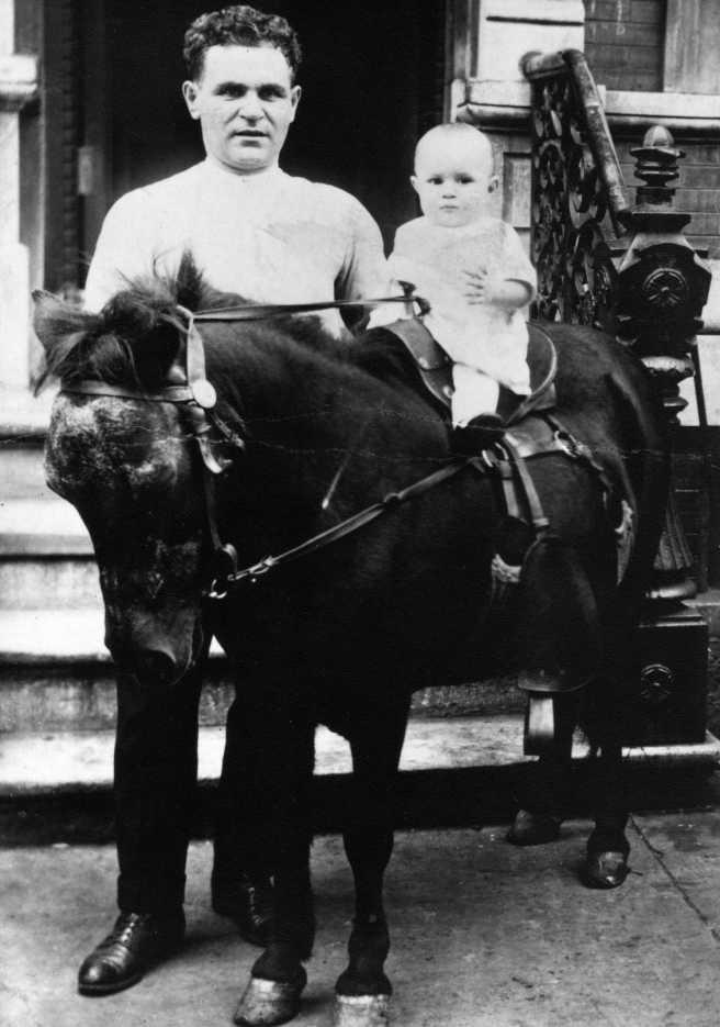 Antonio Putignano e il figlio Michael Putignano nel 1924 circa